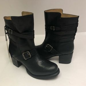 Frye Vera Strappy Boots Pull on Black Leather 9.5M